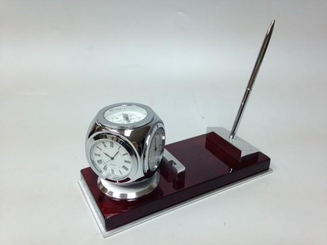 Прибор настольный (часы, термометр, гидрометр, ручка)