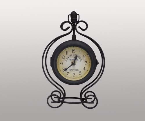 Часы настольные в металлическом корпусе